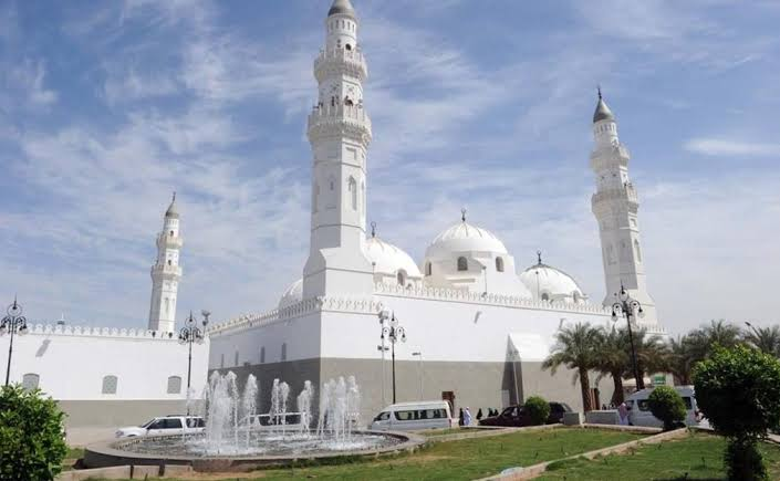 Kunjungi Masjid Quba Madinah Ketika Beribadah Umroh